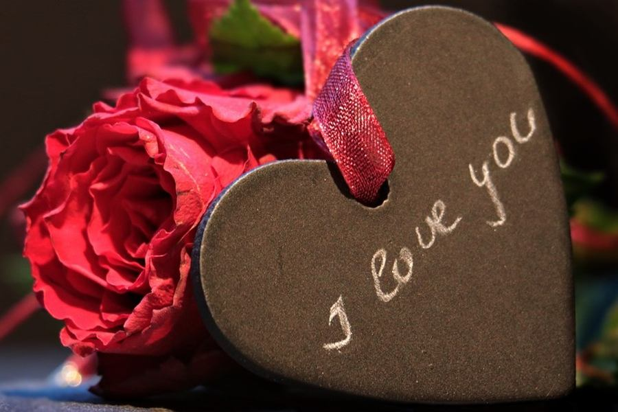 Sweetest Most Touching Love SMS Messages for Him or Her